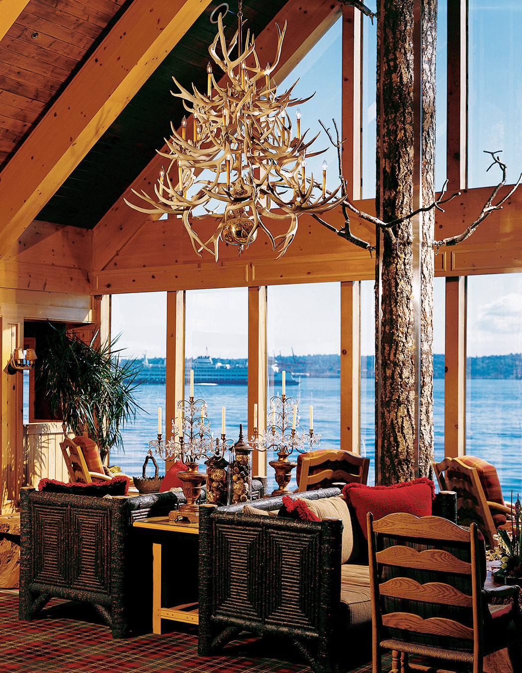 NUVO Magazine: The Edgewater Hotel