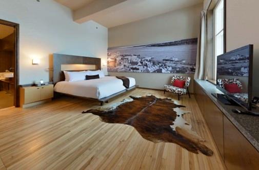 NUVO Magazine: Hotel 71