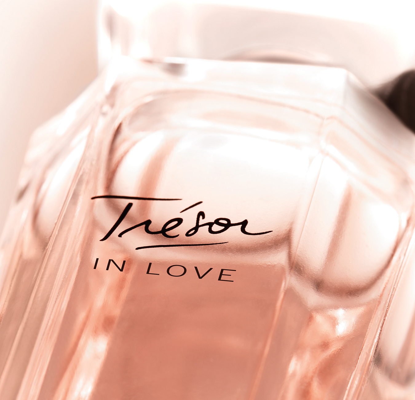 NUVO Magazine: A Lancôme Fragrance