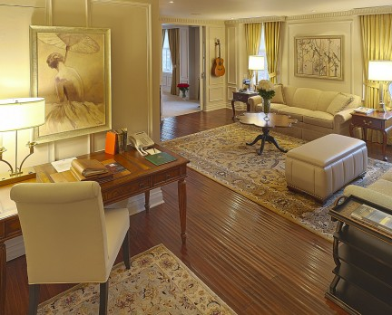 Windsor Arms Corner Suite