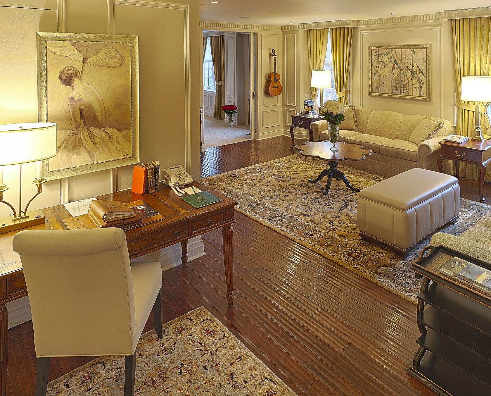 Windsor Arms Corner Suite