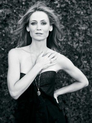 NUVO Magazine: Kelly Rowan