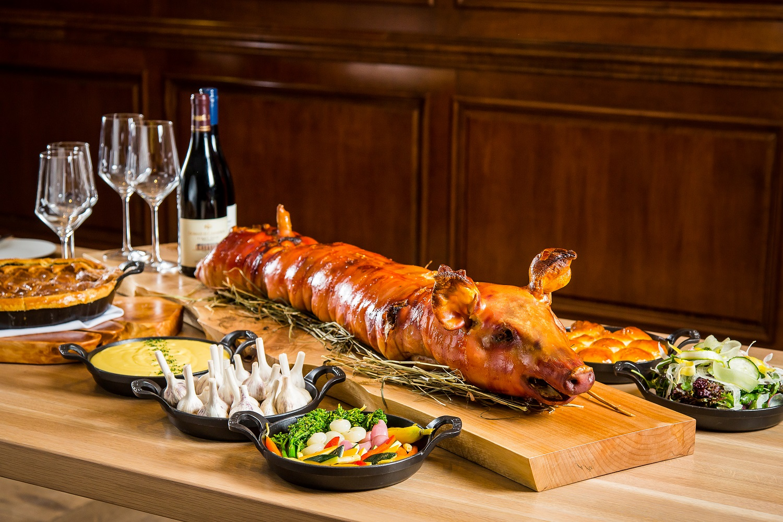 DE: Pig Roast
