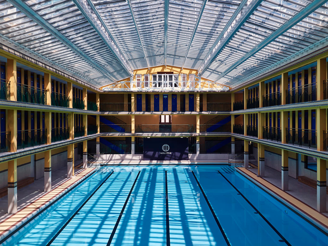 Hotel molitor nuvo for Piscine 50m paris
