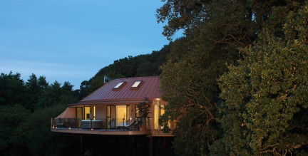 treehouse image - external shot at dusk