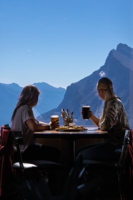 Daily Edit: Canada's Scenic Restaurants