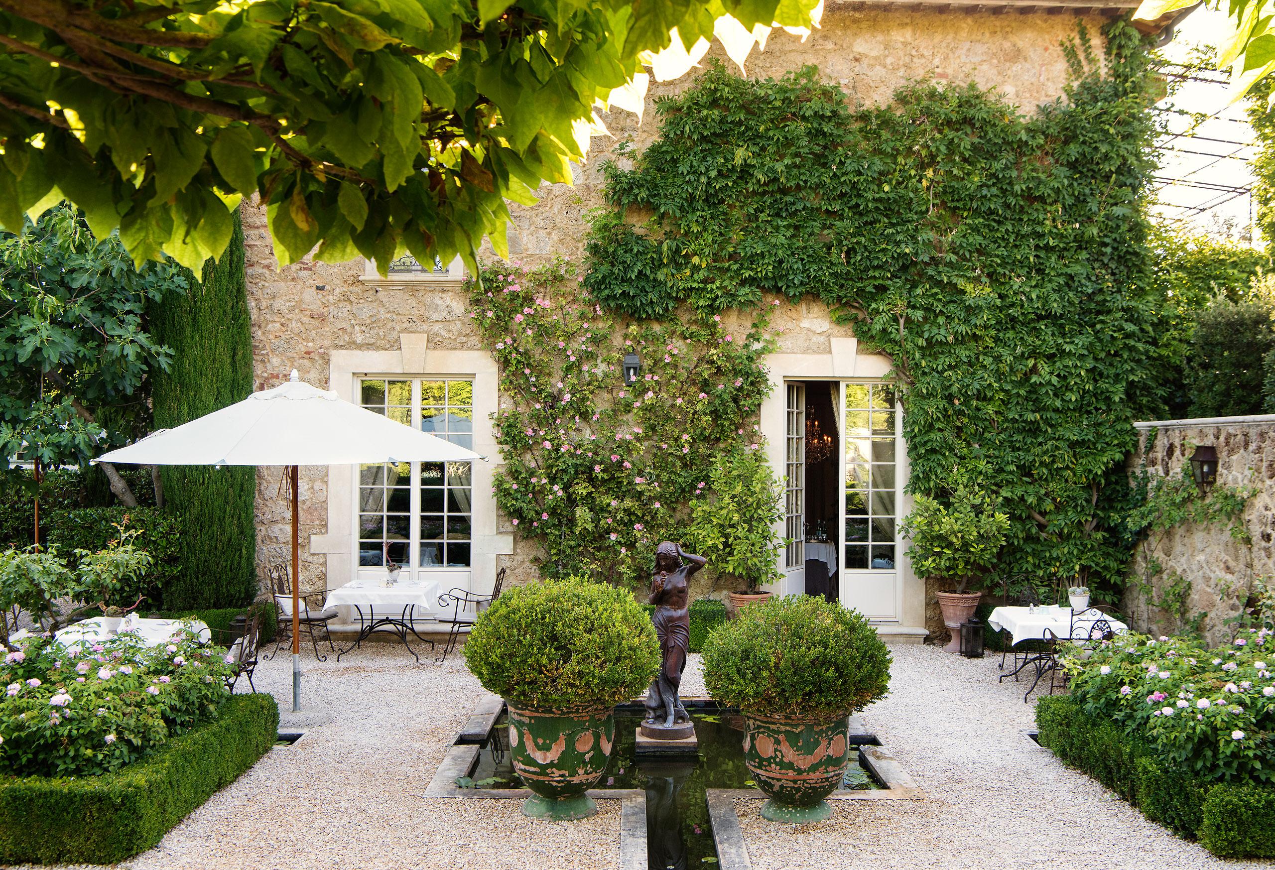Borgo Santo Pietro Vines on Italian Villa